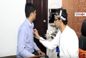 Inside the clinic of Dr.Savyasachi Saxena